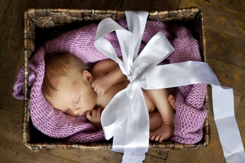The Best Baby Gift Box 2021. Bab in a box with bow